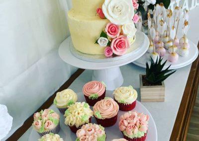 babyshower gâteau buffet cupcake fleurs pop cake jade cake (2)