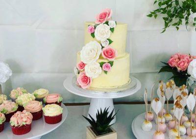 babyshower gâteau buffet cupcake fleurs pop cake jade cake (3)