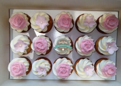 cupcakes jade cake anniversaire fille garçon bébé baby shower