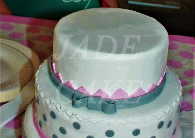 gâteau baby shower naissance communion baptême fête anniversaire bébé enfant jade cake brabant wallon macaron rose (7)