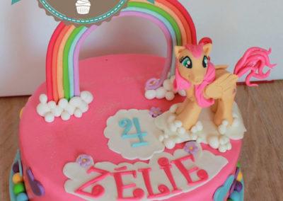 gâteau personnalisé fille bébé anniversaire fête jade cake brabant wallon pâte à sucre (11)