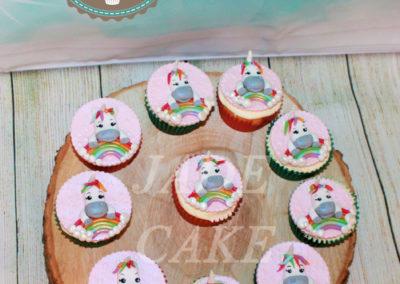 gâteau personnalisé fille bébé anniversaire fête jade cake brabant wallon pâte à sucre (28)