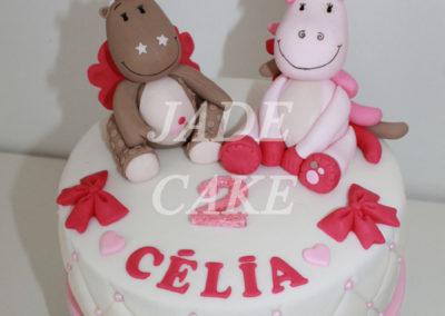gâteau personnalisé fille bébé anniversaire fête jade cake brabant wallon pâte à sucre (4)
